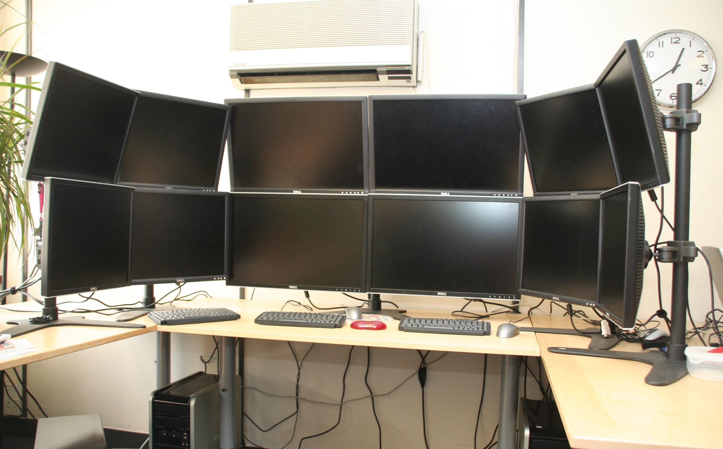 how to connect multiple monitors to pc